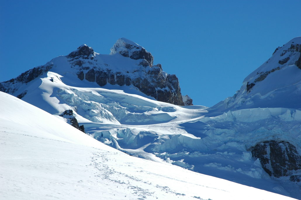 tronador, proffessional mountain guides, IFMGA, guiding glaciers , mountain guides, guiding